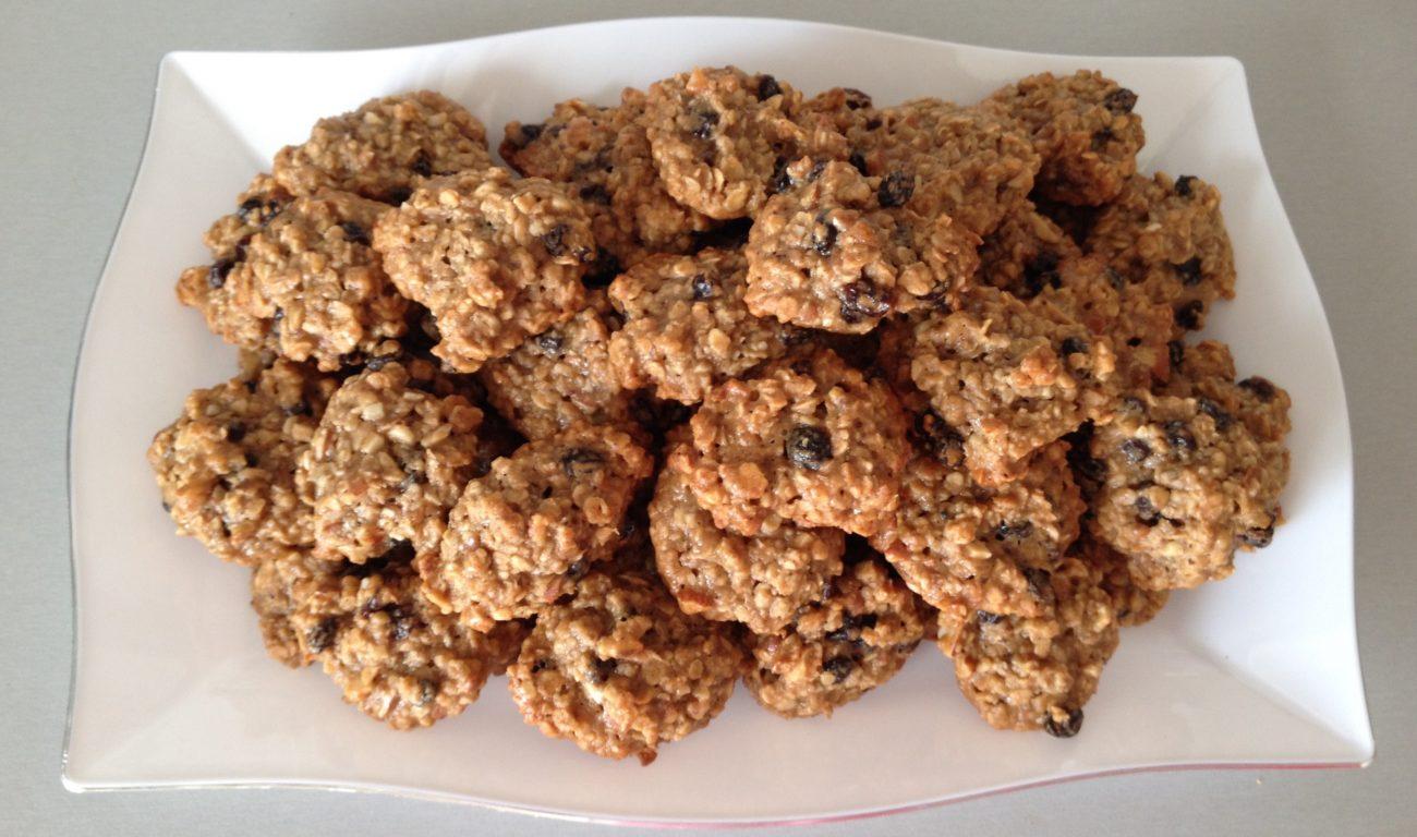 Μαλακά μπισκότα βρώμης  με σταφίδες και μαστίχα