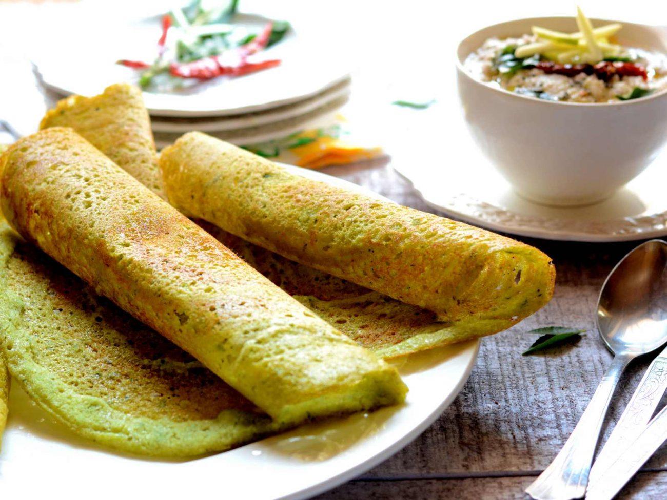 """Ινδική ντόσα με δροσερή σως """"γιαουρτιού"""""""