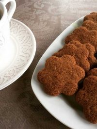 Mπισκότα κανέλας με ζέα και ελαιόλαδο