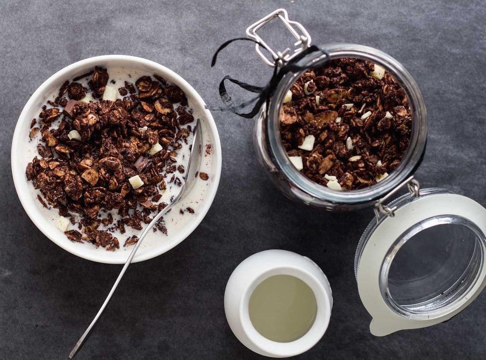 Γκρανόλα (ή μπάρες) σοκολάτας-καρύδας χωρίς ζάχαρη