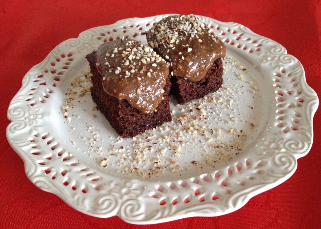 Κέικ ή muffins μπανάνας με γλάσο φουχάτας