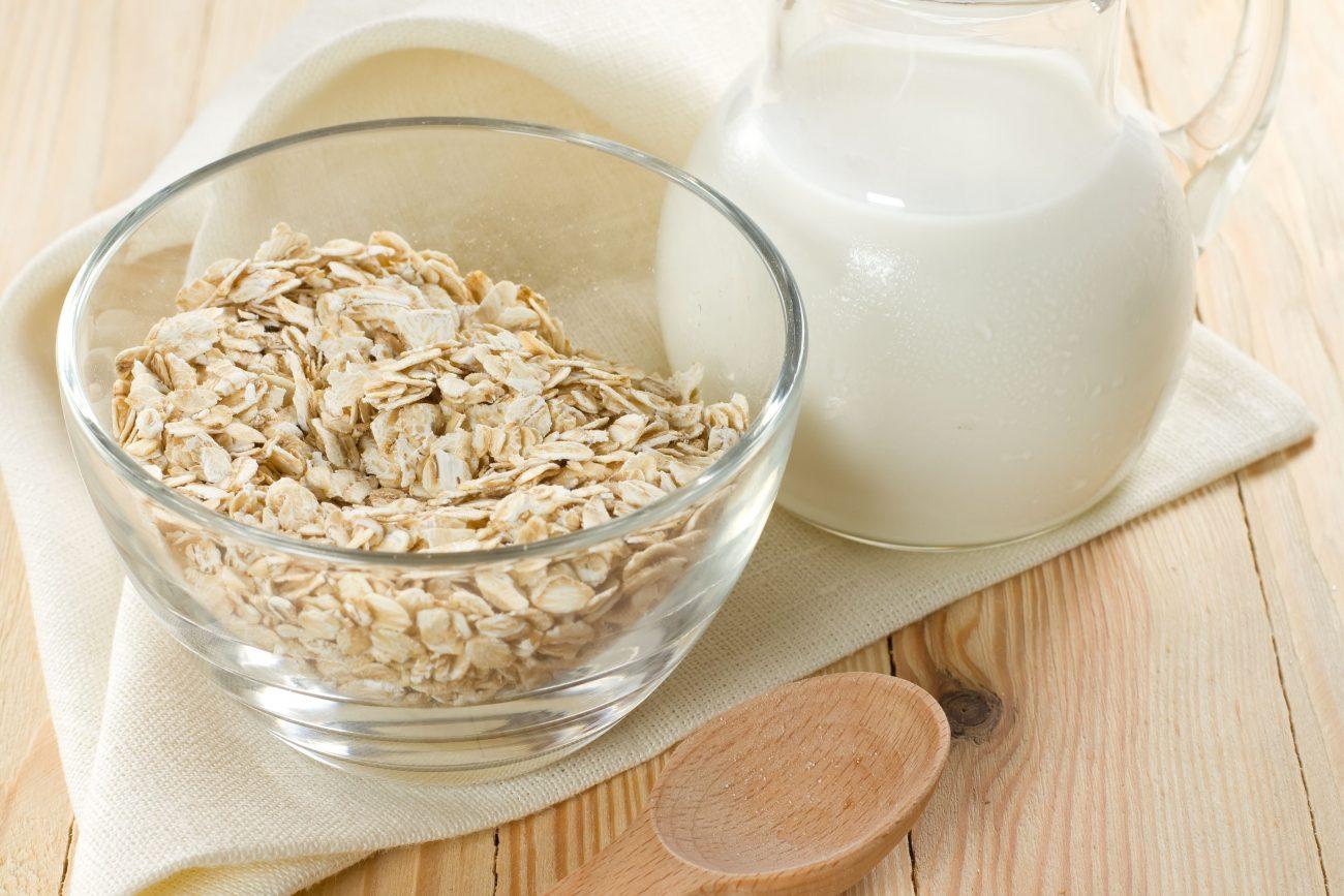 Σπιτικό φρέσκο γάλα βρώμης