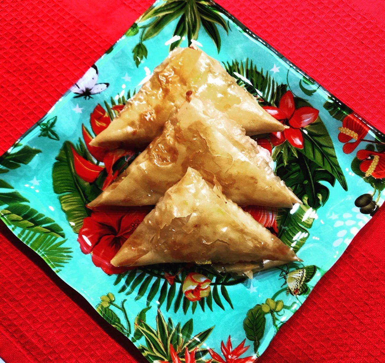 Σιροπιαστά τρίγωνα με ρυζόκρεμα